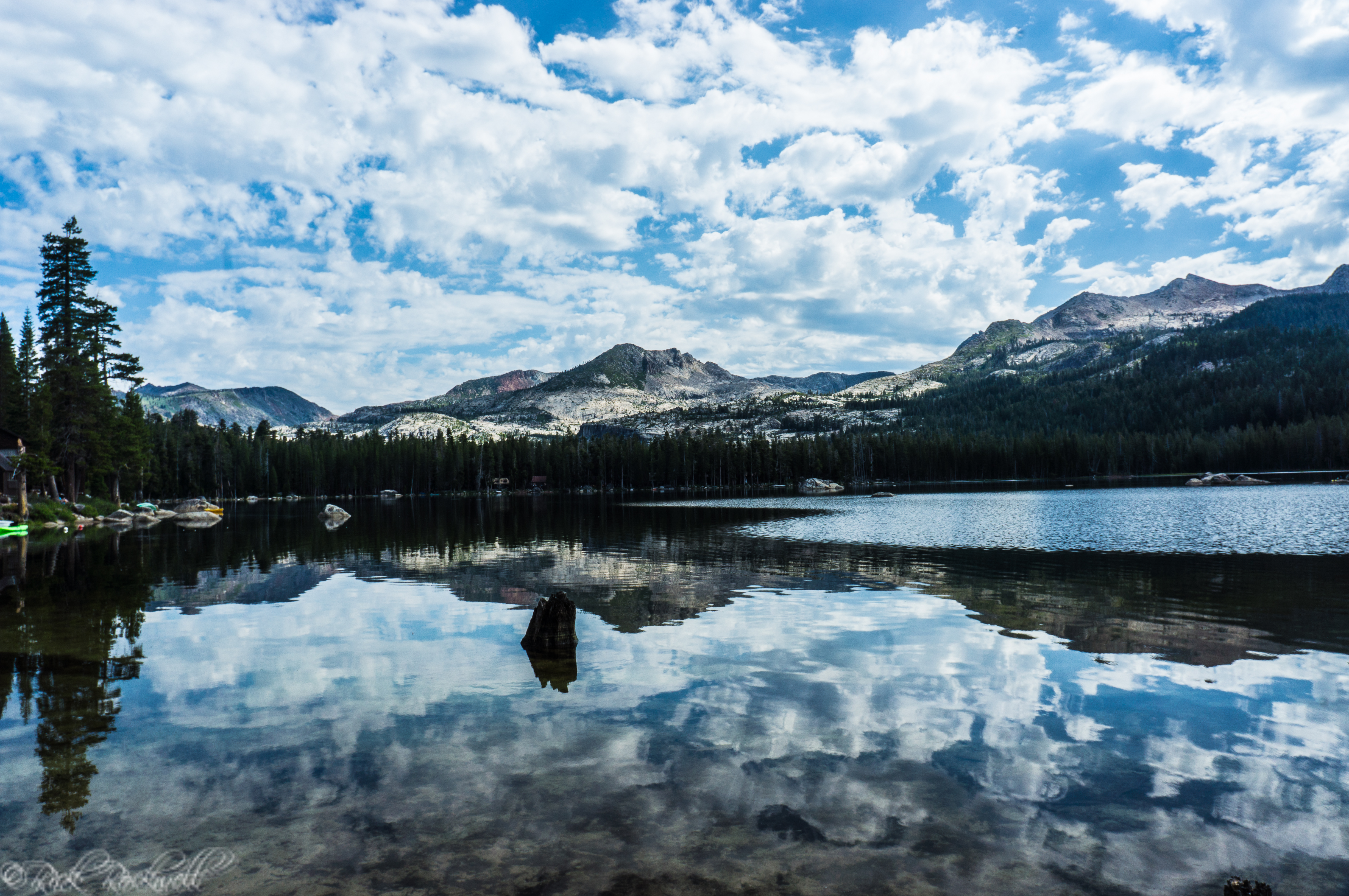 Wrights Lake is the right choice for hiking, kayaking, camping and scenery