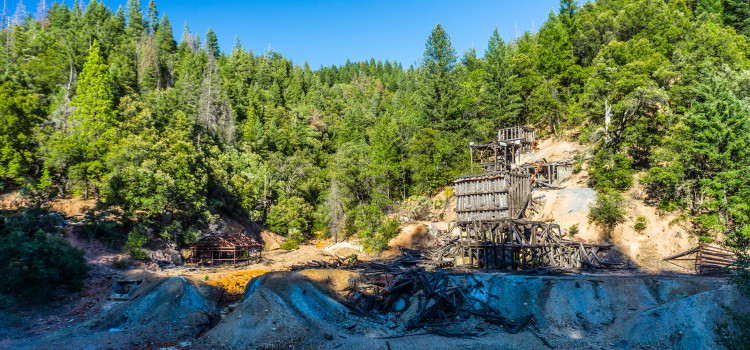Silver City: a ghost town with cardiac arrested decay