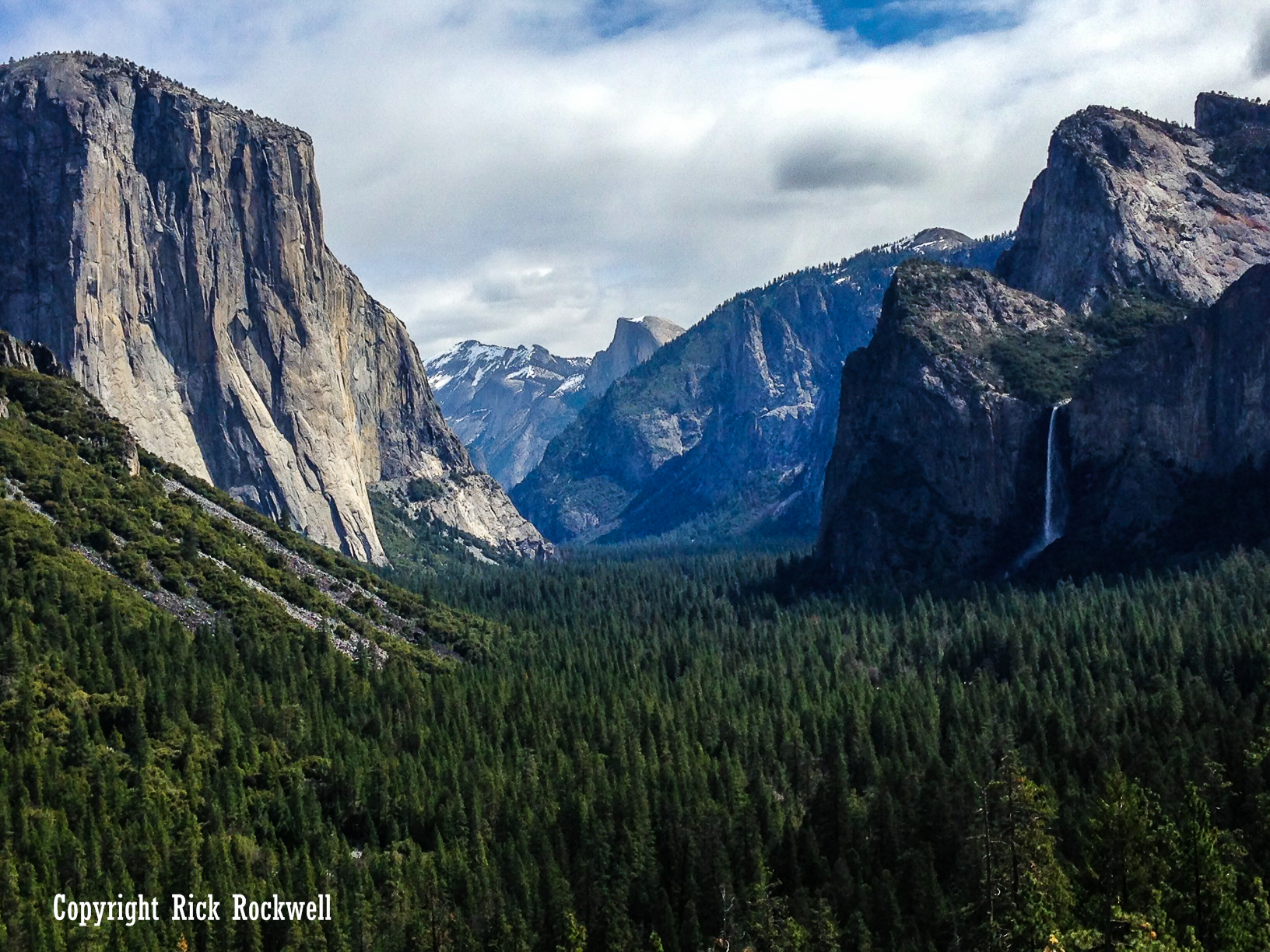 Photo of Yosemite National Park: a place of incomparable beauty and majestic landscapes