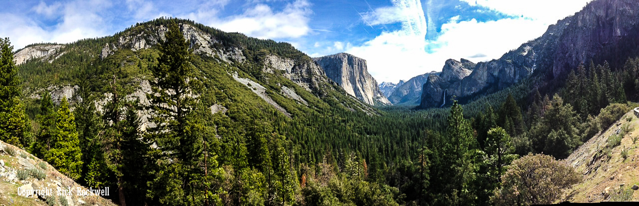 Photo of Wawona Tunnel and Tunnel View