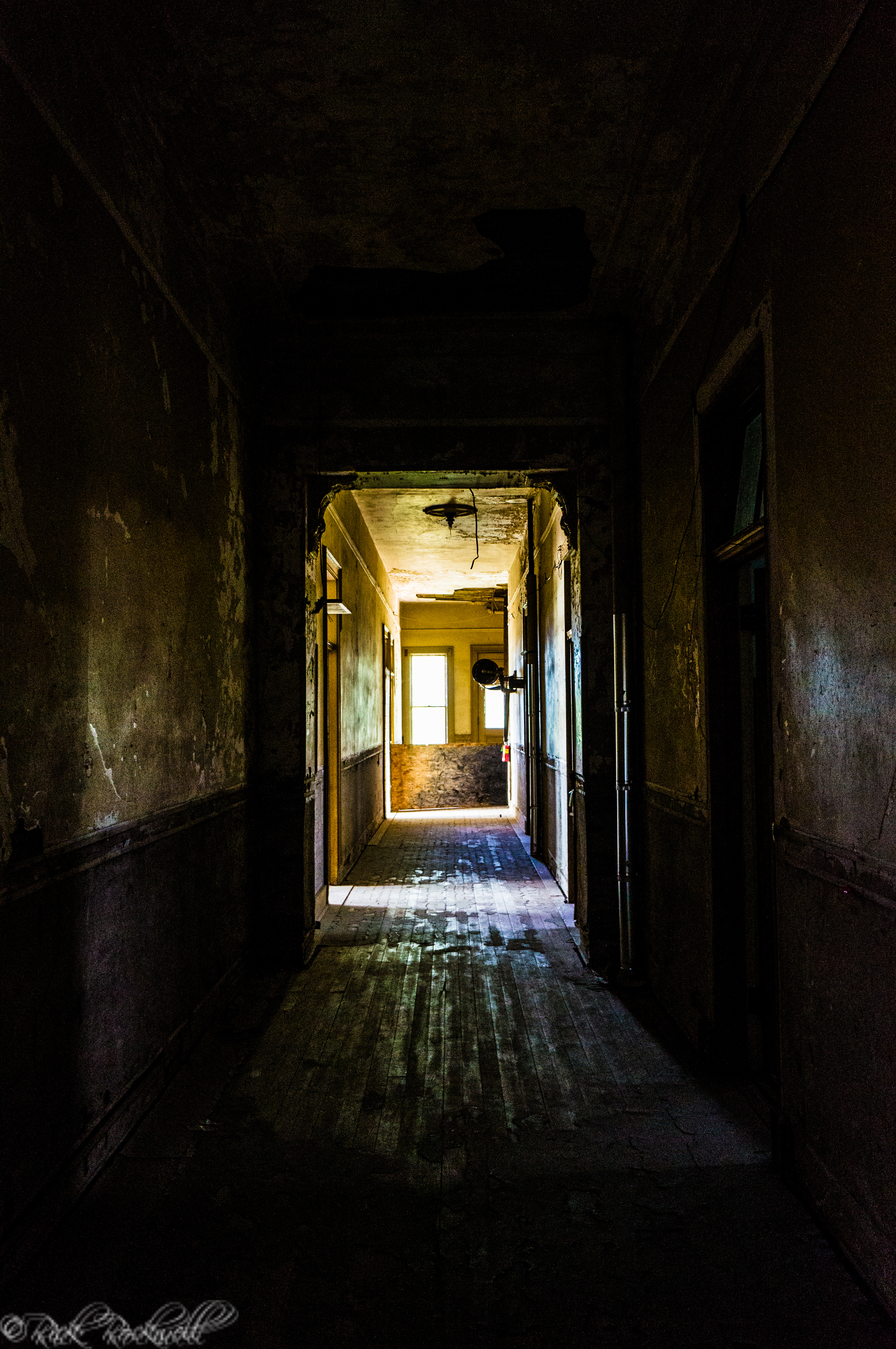 Photo of Photo Essay: Preston Castle Spooky Hallways and More
