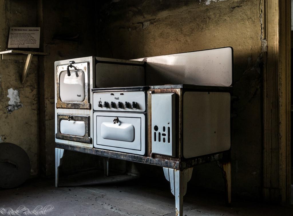 preston castle kitchen stove (1 of 1)