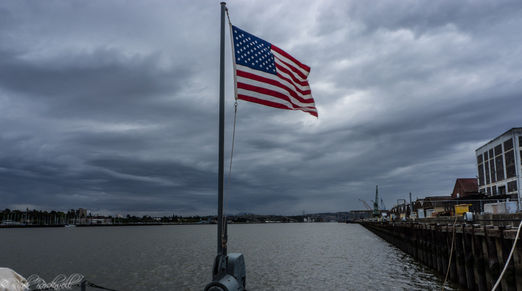 uss lcs 102 stern flag (1 of 1)