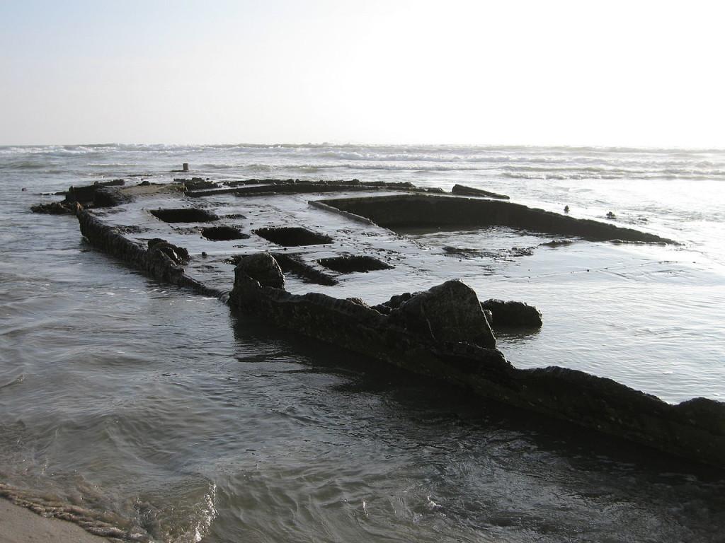 1280px-SS_Monte_Carlo_Shipwreck_2010-01-30
